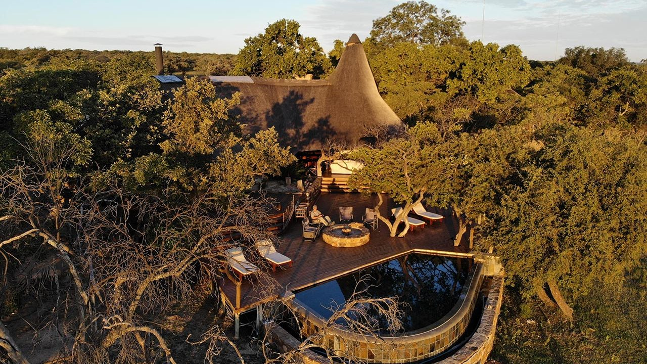 Zangarna Game Lodge - The Central Lodge